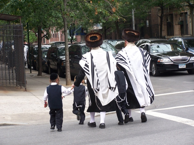 Jueus_ultraortodoxes_satmar_a_brooklyn