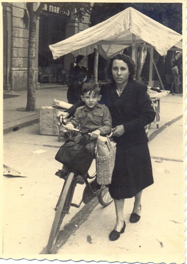 La nonna a Milano, con lo zio Gilberto, durante gli anni della guerra
