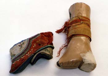 chinese shoe heel right with block copy