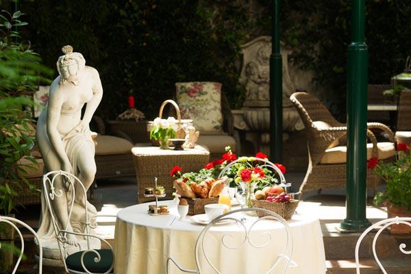 hotel-des-maronniers-terrasse-54-md