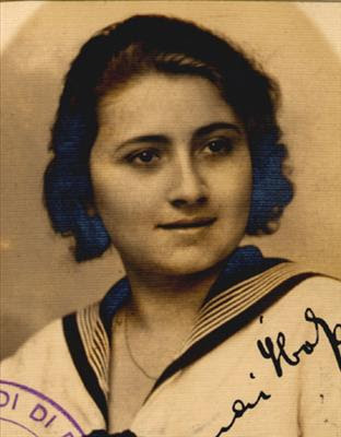 Ibolya Barnai nata a Budapest il 12/1915 da Maurizio e Olga Weisz