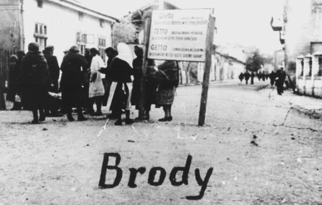 the_entrance_to_the_brody_ghetto_west_ukraine_1942-43
