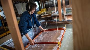 traditional-washi-paper-making-in-japan_bde978b6-3d4d-11e8-bfff-c0c145c8e053